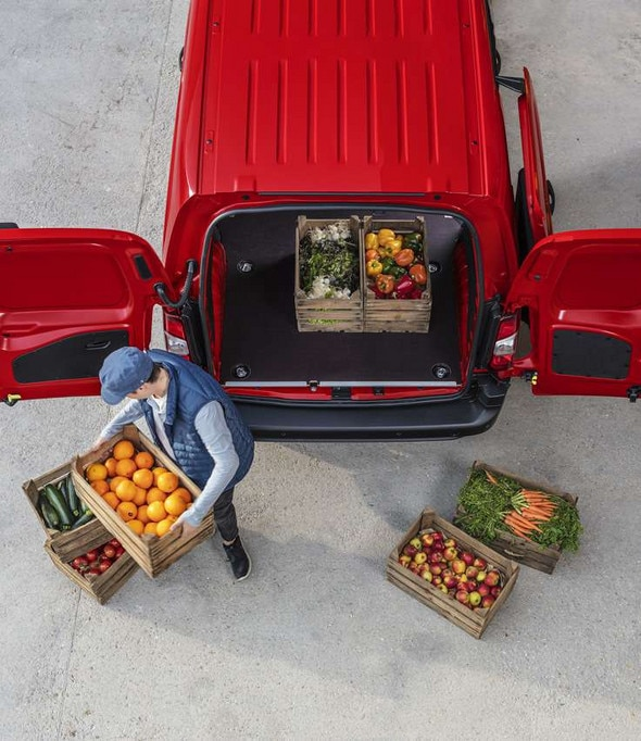 737x852-Rear-Opening-Doors-New-Citroen-Berlingo-Van